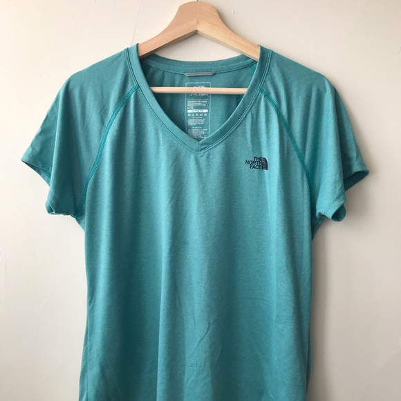North Face Women/'s Short Sleeve Reaxion Amp V-Neck T Shirt NWT 2019